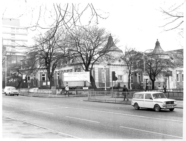Kings college hospital on SW corner of Denmark hill and Bessemer Rd, P12805, 1980