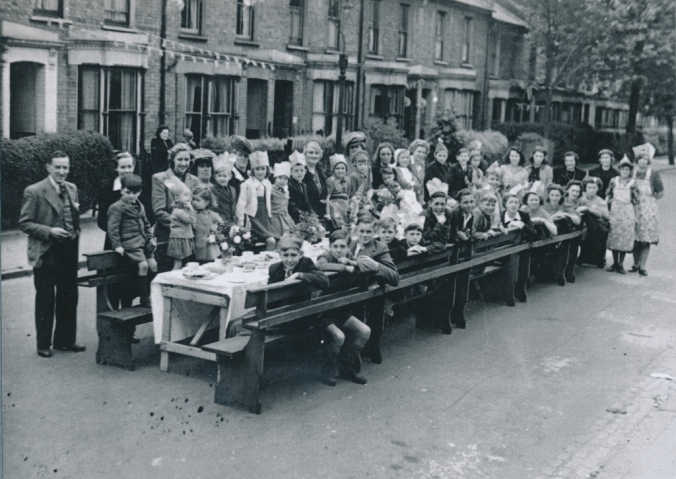 WW2 victory party - Chesterfield Grove, East Dulwich (P21566)